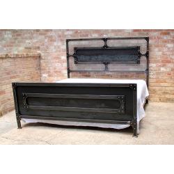 Doppelbett aus Industriestahl